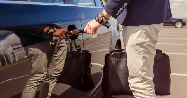 autónyitás profi segítséggel